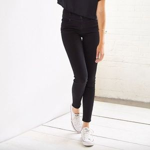 Urban Outfitters Twig High-Rise Cropped Jeans